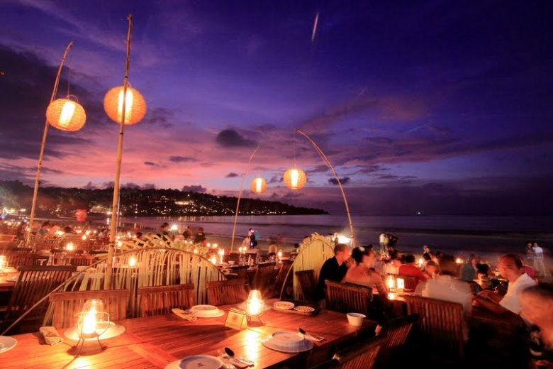 jimbaran-bay-beach-with-bbq-seafood